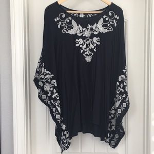 Monoreno cream embroidered Navy tunic Size S